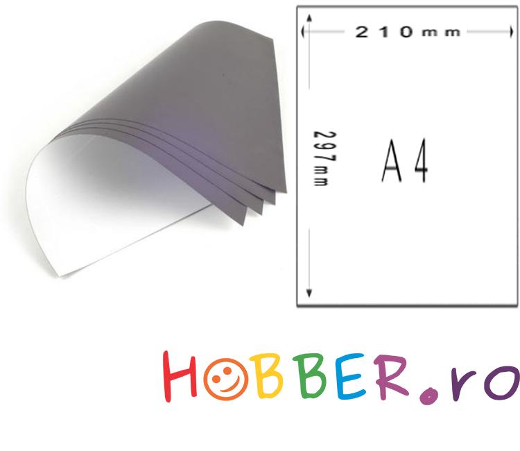Folia magnetica format A4 cu autoadeziv - pentru fotografii care au putin spatiu de lucru acasa sau la birou