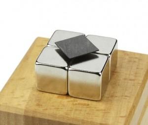 Set levitatie magnetica - Dialev