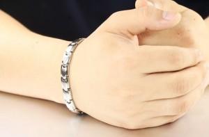 Bratara magnetica este un accesoriu elegant cu efecte terapeutice